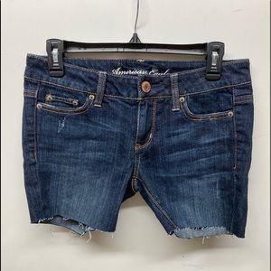 American Eagle sz 4 dark denim jean shorts